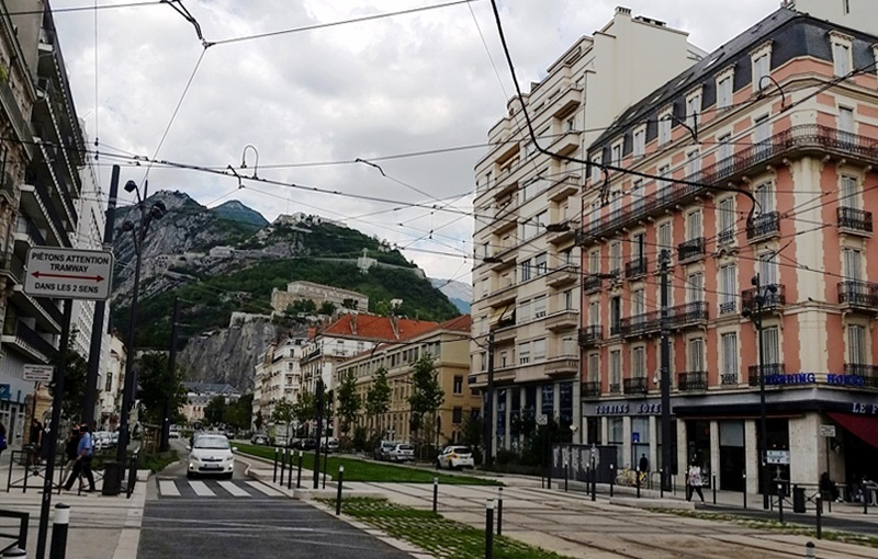 Grenoble cours for La basse cours grenoble