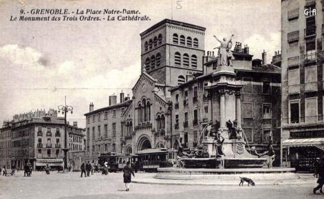 Grenoble place notre dame